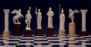 Gods of Mythology (Hermes) Chessmen