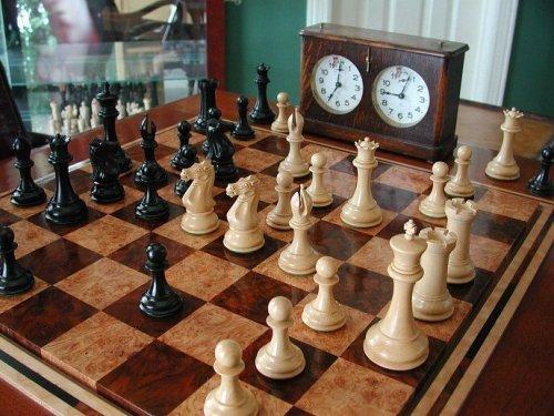 Collector Series House of Staunton Chessmen