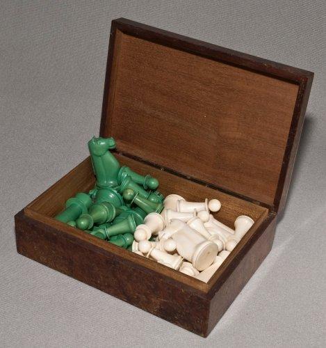 Antique Indian Ivory Staunton Chess Set Green