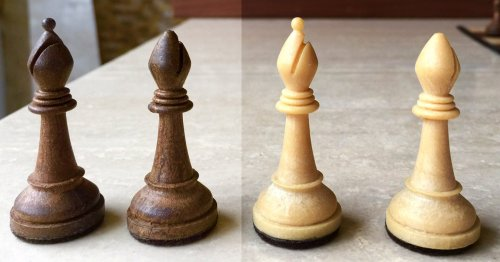 Cavalier Home Edition Chessmen