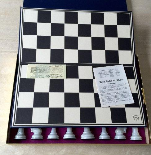 Cavalier Tournament Edition Alabaster Chessmen, Presentation Box