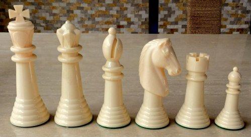 Kingsway Varsity Plastic Chessmen