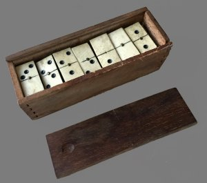 Small Traditional Dominoes Set