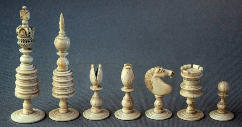 Large Type II English Barleycorn Open Crown Chessmen