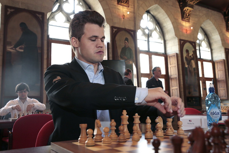 Leuven Rapid Day 2: An Impressive 4/4 Performance by Carlsen