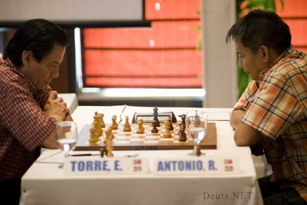 Eugene Torre vs. Joey Antonio in the Battle of Grandmasters 2008