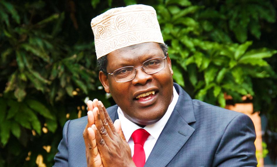 Kenyans threaten to ditch #Sidebar thanks to a spat between Larry Madowo and Miguna Miguna