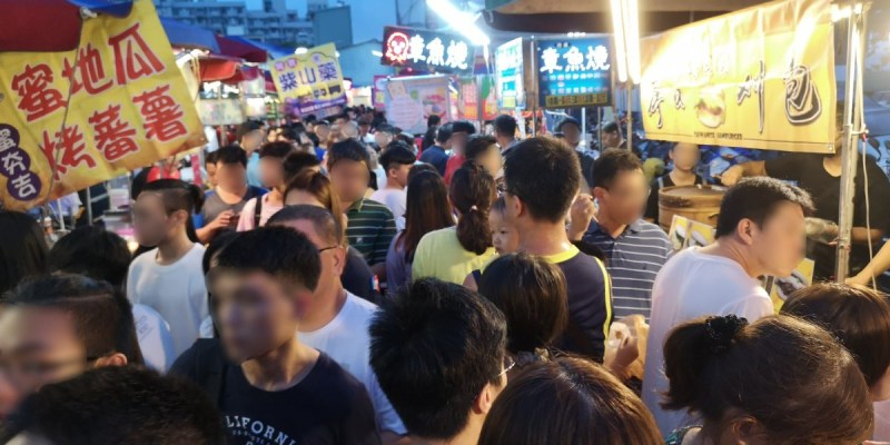 大慶夜市新開幕!人潮竟然比旱溪夜市還要塞,有些區域根本塞到走不動!