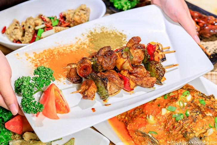 20201230144151 50 - 熱血採訪∣台中南洋風味料理,這天來吃滿額就送鹽烤蝦!二樓還有隱藏包廂KTV和飛鏢機,包場也沒問題!