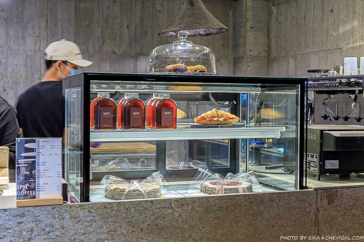 20210226171731 26 - 台中最新仙人掌沙漠秘境!絕美清水模透明玻璃溫室,還能吃得到仙人掌千層蛋糕!