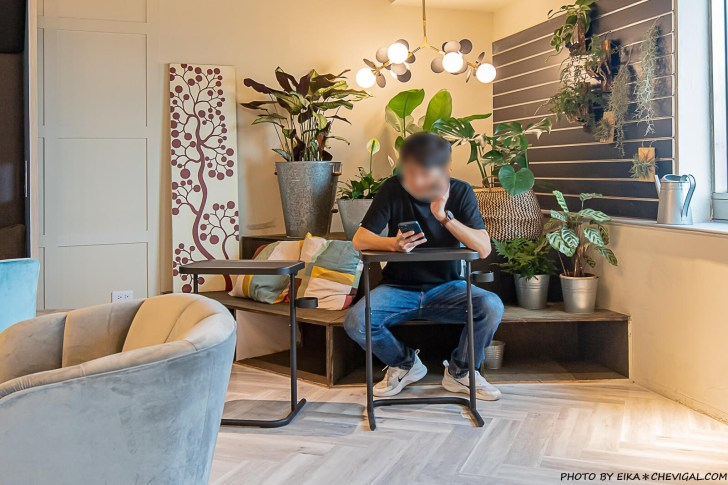 20210406185629 68 - 咖啡任務最新分店超隱密!隱身在商辦大樓裡的質感咖啡廳,27樓可遠眺草悟道與台中街景!