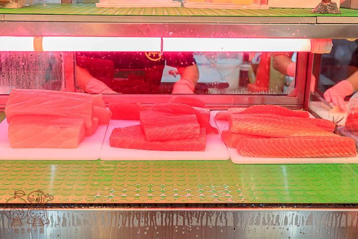 20210929205125 97 - 夜貓子才能吃得到的超人氣生魚片!半夜12點開賣,每片只要10元,想嚐鮮最好提前來排隊