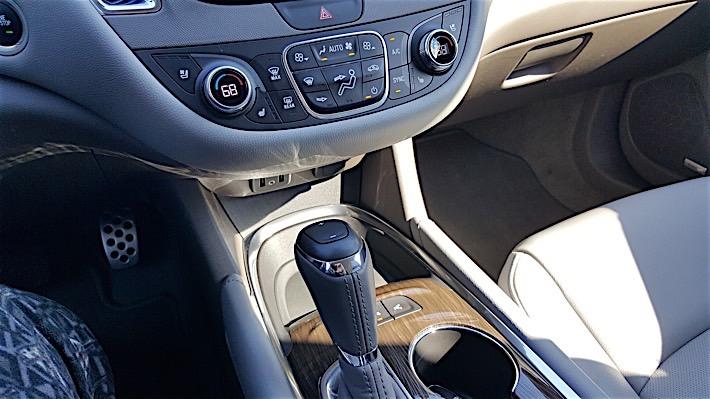 2016 Chevrolet Malibu_15