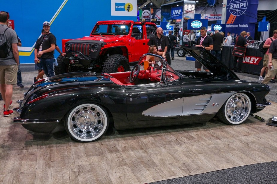 Restomod C1 Corvette Outshines the Competition at SEMA
