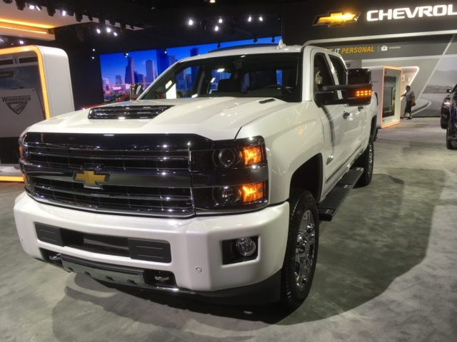 2019 Chevy Silverado at 2018 L.A. Auto Show