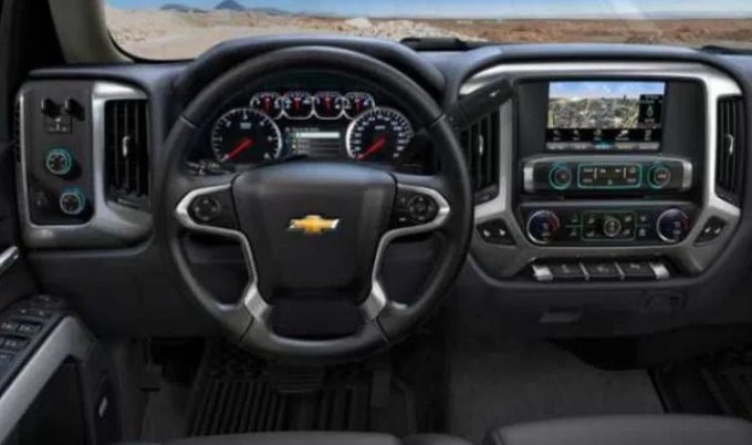 2019 Chevy 1500 Interior