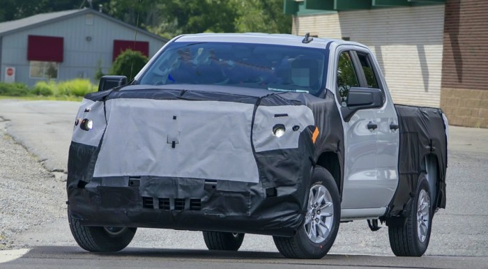 2022 Chevy Silverado Spy Shots