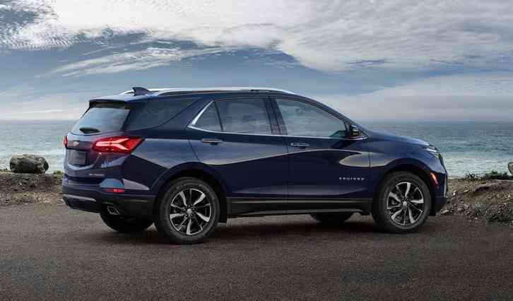 2022 chevy Equinox All models are available in either front-wheel drive or all-wheel