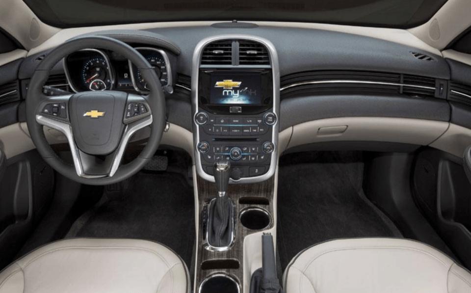 2022 Chevy Malibu Hybrid Interior
