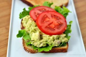 Chicken-Avocado Salad Sandwiches - Chew Nibble Nosh.