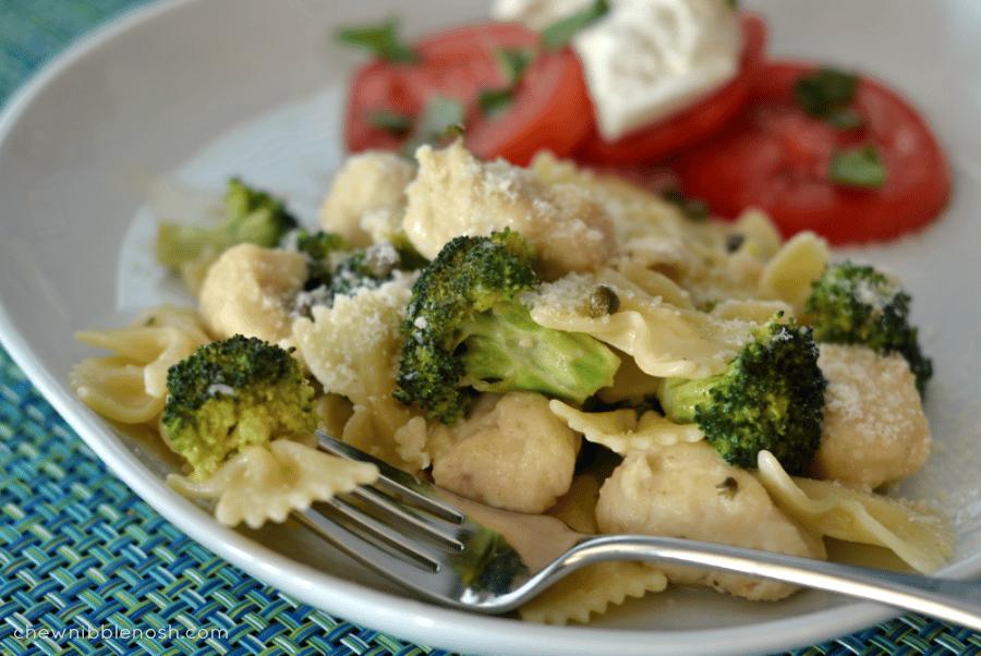 Lemon Garlic Chicken Pasta with Broccoli
