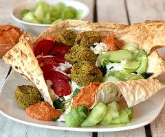 Flatbread Falafel Salad