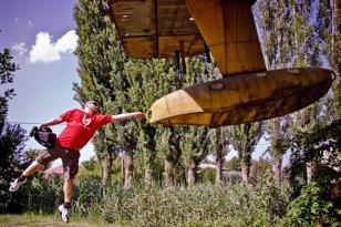 flying idiot 04