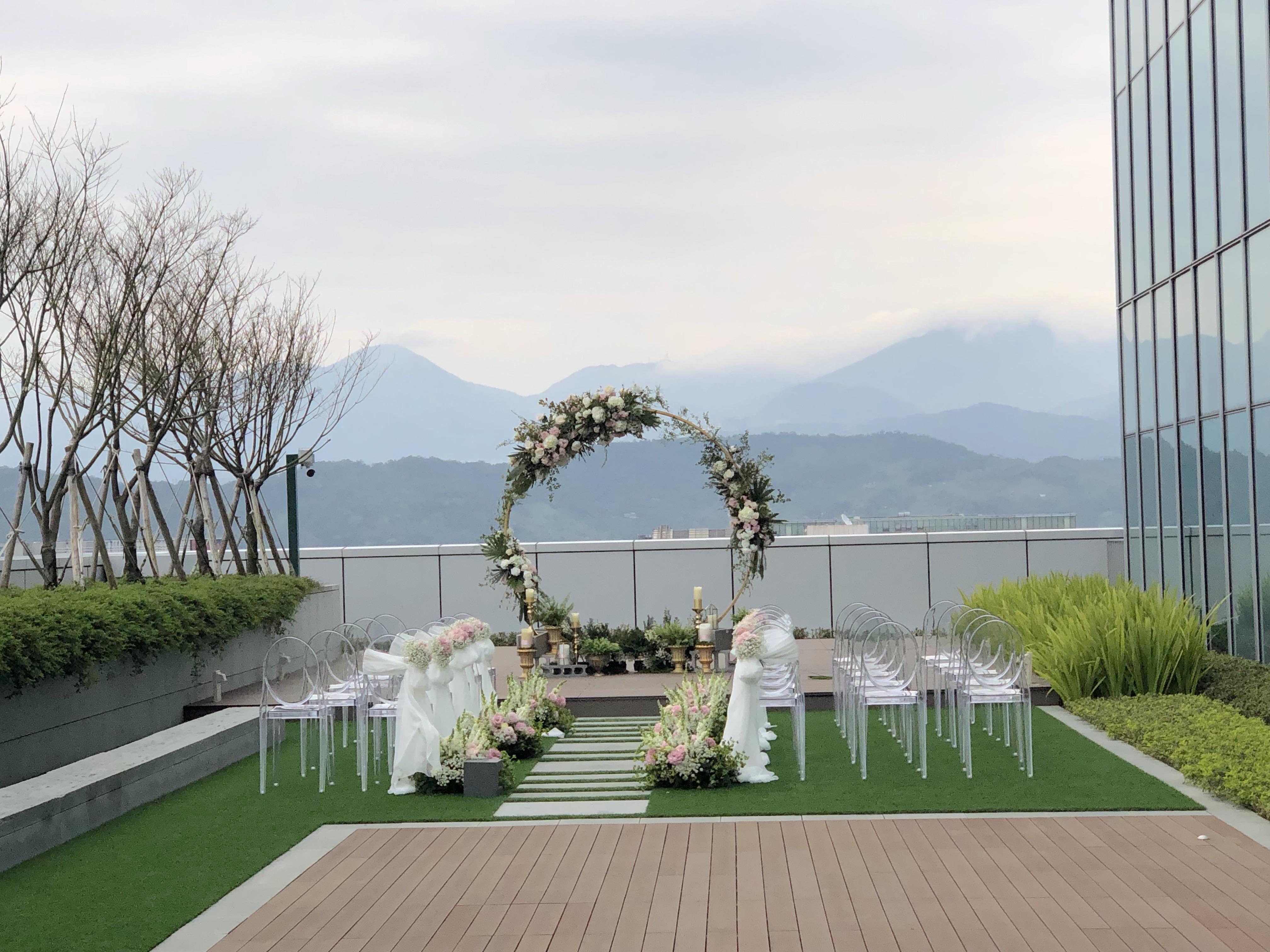台北國泰萬怡酒店戶外婚禮