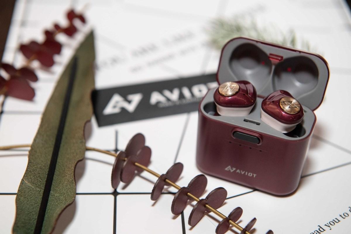 Aviot耳機jpg