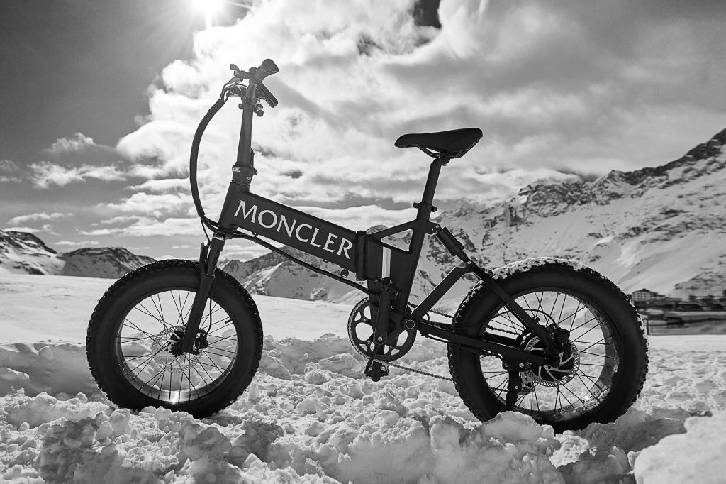 Moncler Mate.bike Black