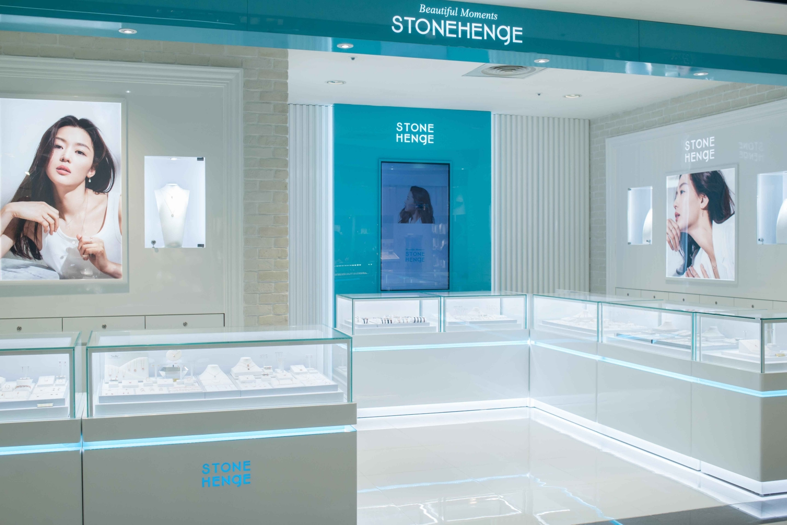 Stonehenge店櫃照
