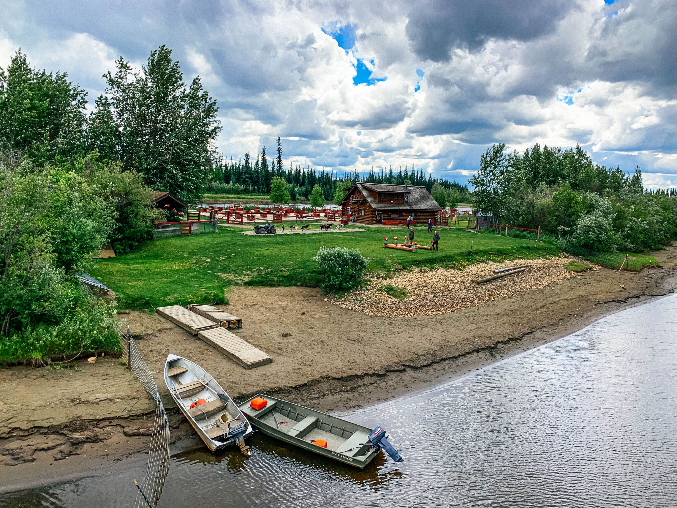 The home and kennels of the late four-time Iditarod winner Susan Butcher and watch her energetic champion sled dogs.