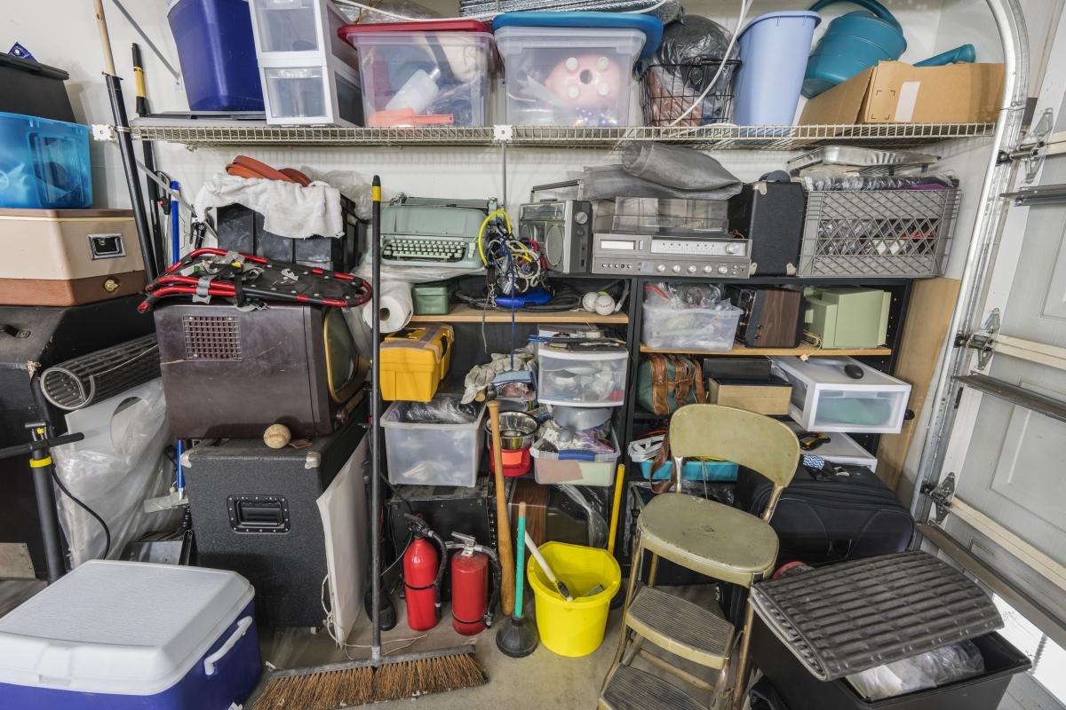 top 4 reasons to de-clutter your life www.cheyennehauling.com