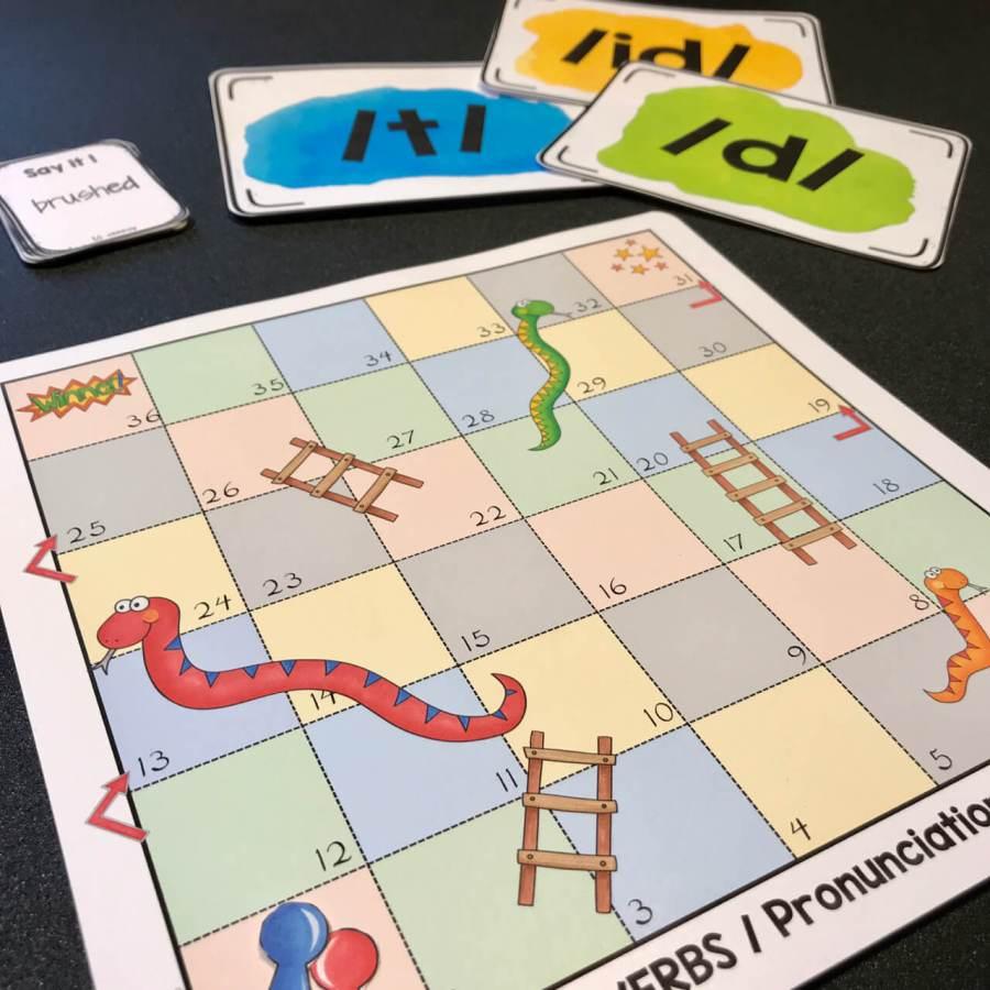 Snakes and Ladders - jeu pour pratiquer la prononciation des verbes réguliers au prétérit