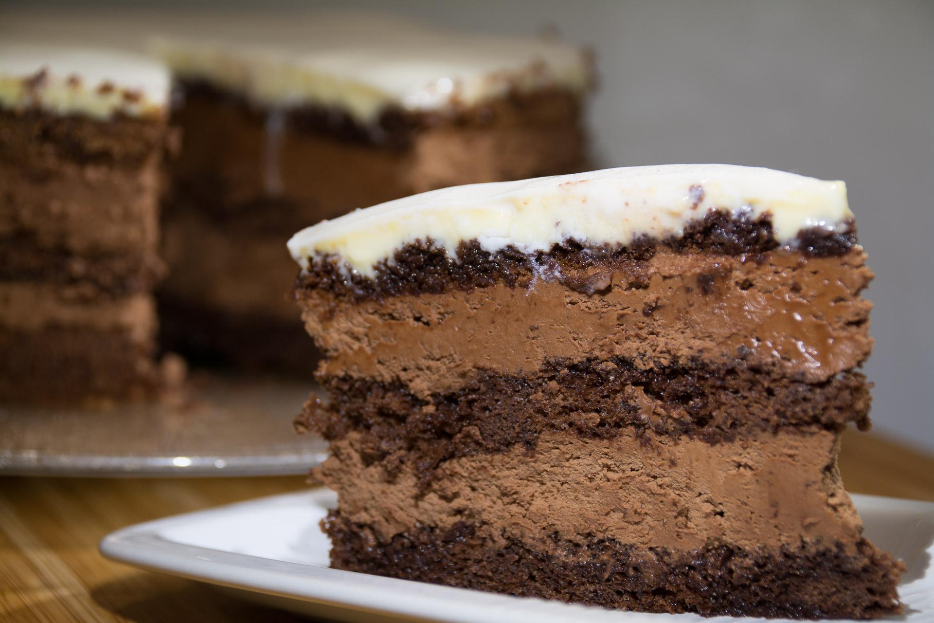 Sjokoladekake med sjokolademousse og marsipanlokk