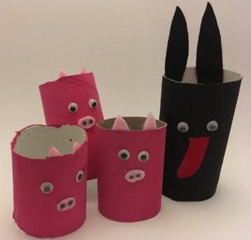 Le loup et les 3 petits cochons en rouleaux de papier toilette