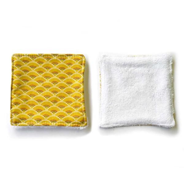 PAULA-lingettes-demaquillantes-motif-ecailles-coton-bio-zero-dechet