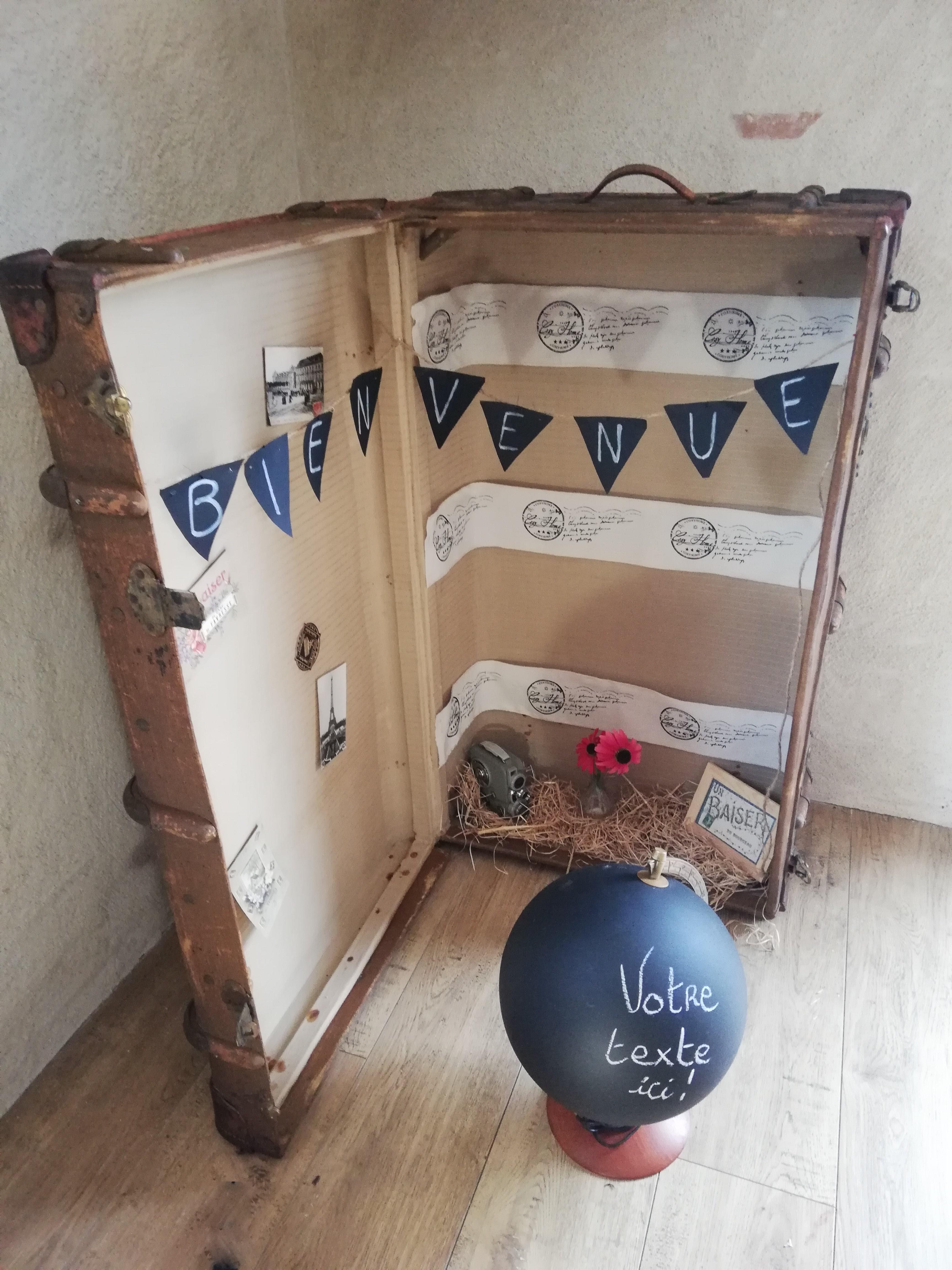 Malle vintage ancienne location coffre en bois valise location décortions événements