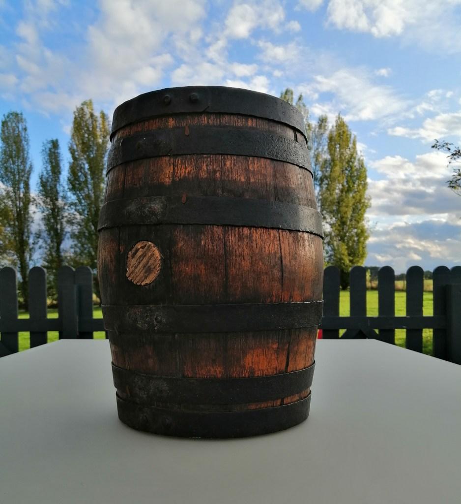 petit tonneau bois et cerclage métal location décorations vintage champêtre Tours 37 indre et loire