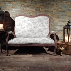 Banquette Voltaire toile de jouy location mobilier tours 37 indre et loire