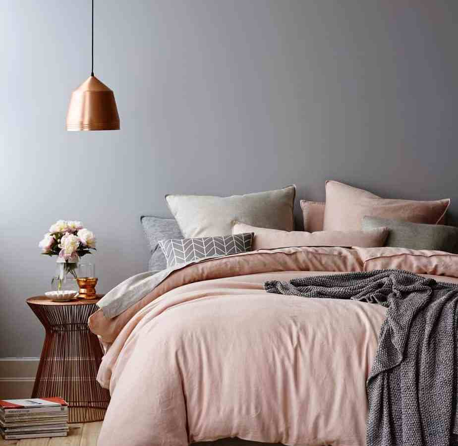 une chambre cocooning coloree