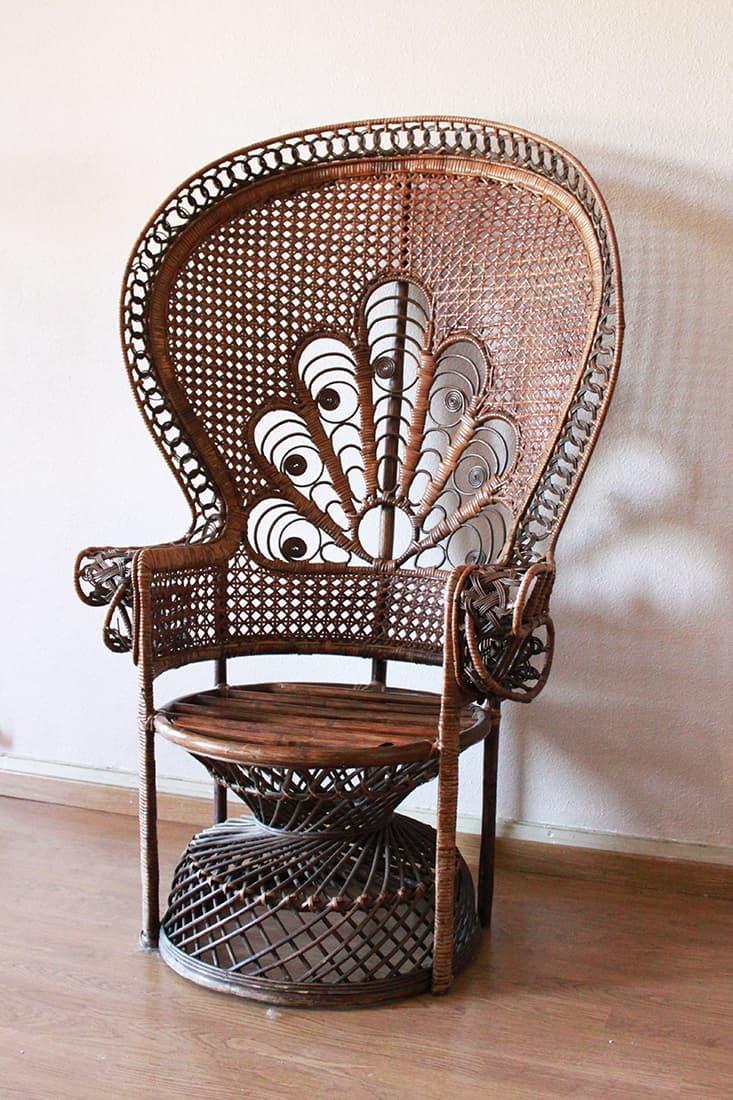 fauteuil rotin au debut avant la peinture - Repeindre un fauteuil rotin de style Emmanuelle