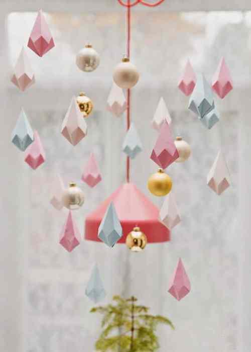 pendule poetique et geometrique - Noël : 11 DIY faciles pour une déco réussie