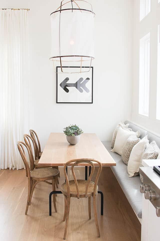 une salle a manger familiale avec un banc - Comment bien réussir sa salle à manger