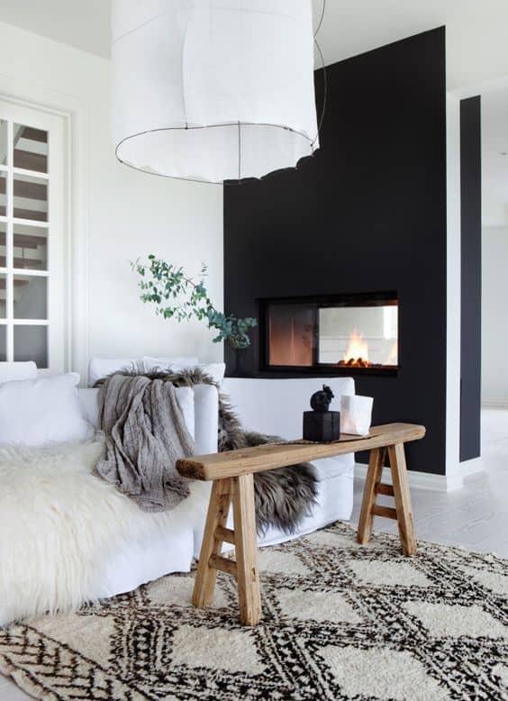 salon deco blanche avec mur deco noir - Noir : comment bien intégrer cette couleur à sa décoration