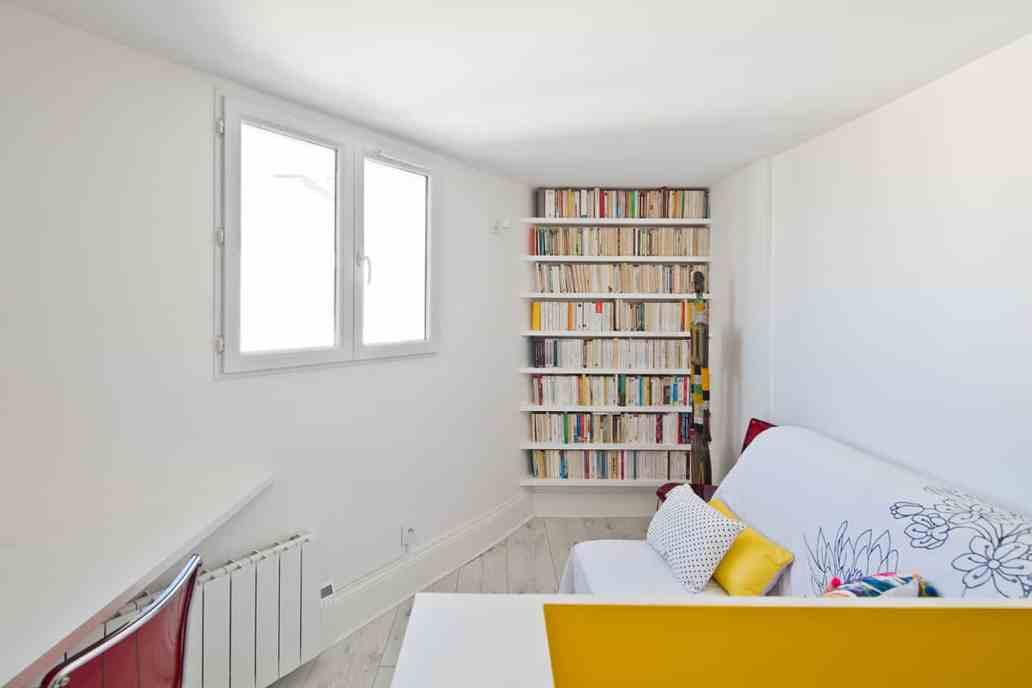 bibliothèque bureau archibien© Jonathan Letoublon Architecte Antonin Ziegler via Archibien 19 - Visite d'un appartement Archibien à Paris