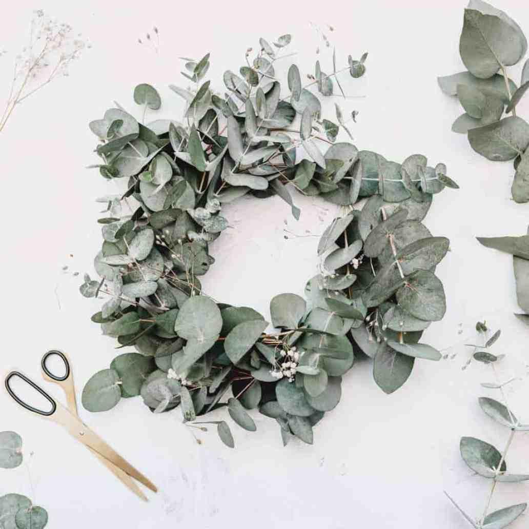 georgia de lotz 1213059 unsplash 2048x2048 - 5 idées de recyclage pour tous les amoureux des travaux DIY !