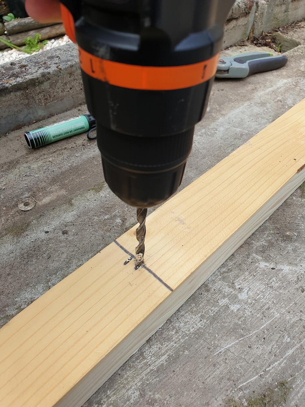 fixation dune structure pour construction dune terrasse en bois - Construire une terrasse en bois
