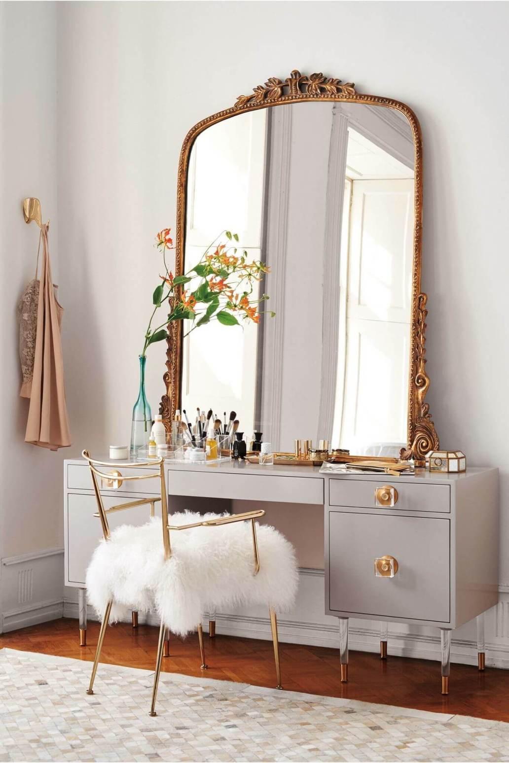 Une coiffeuse élégante ornée dun miroir chiné 2 - Retaper un miroir chiné, les étapes à respecter