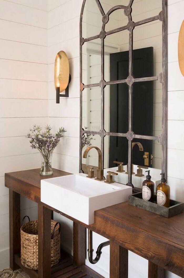 Une salle de bain pleine de charme grâce à un miroir chiné 2 - Retaper un miroir chiné, les étapes à respecter